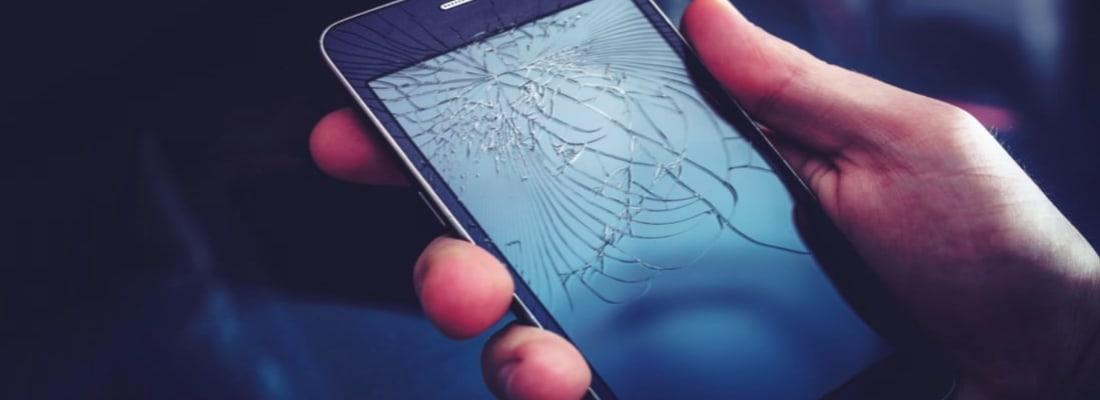 Smartphone con schermo rotto cosa fare